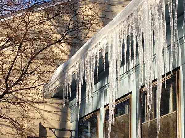 prevenir la congelación de los canalones