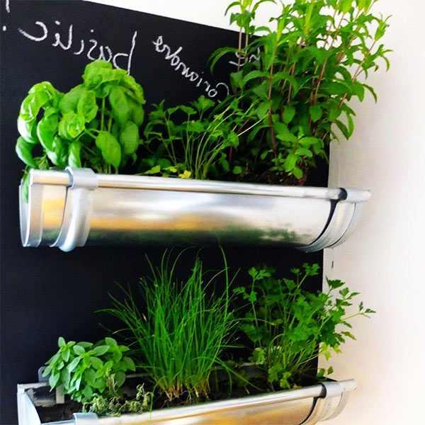 maceteros para hierbas con canalones para la cocina