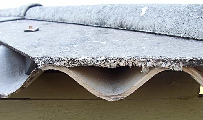 Instalación de canalones de amianto