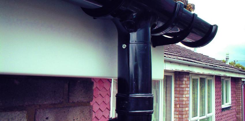La Importancia De Las Embocaduras En La Instalación De Canalones Pluviales De Una Vivienda